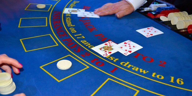 jugar al poker en el casino